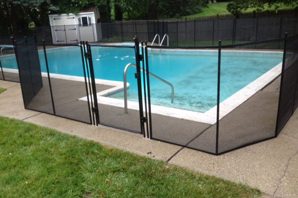 Pool Fence with Self-Closing Gate