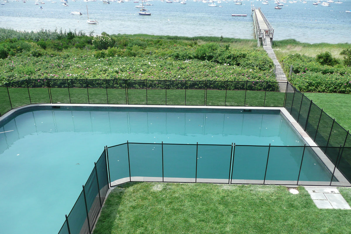 Nantucket Kid Free Home Installs Removable Pool Fence